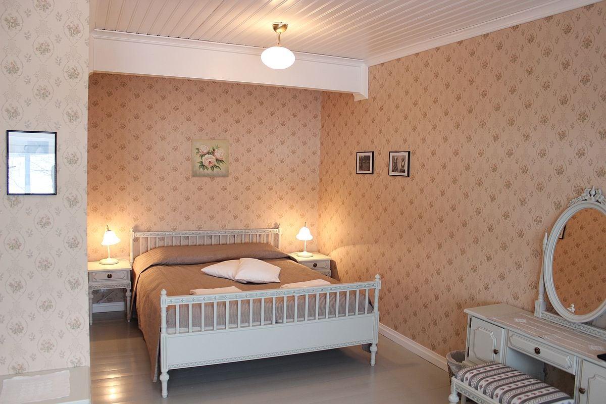 paarakennus_main_building_huone_room