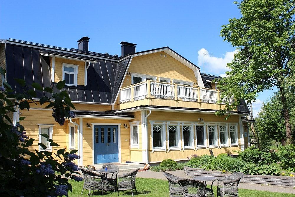 lomamokkila-paarakennus-main-building