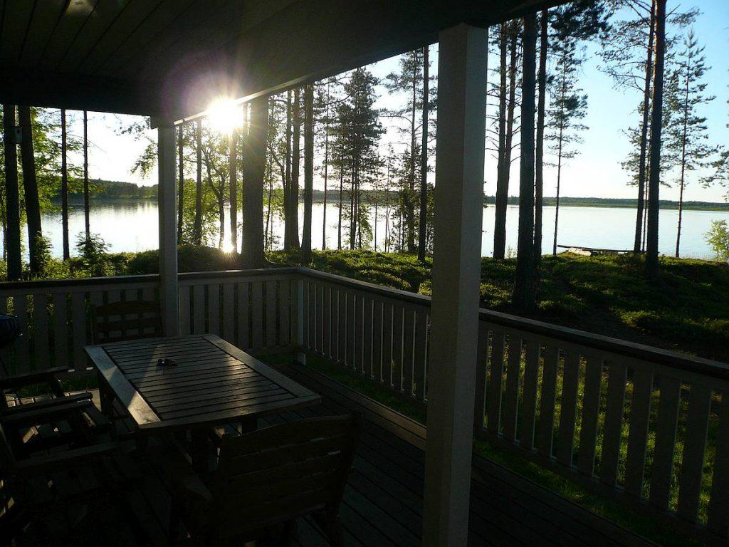 mokki-cottage-4-terassi-veranda