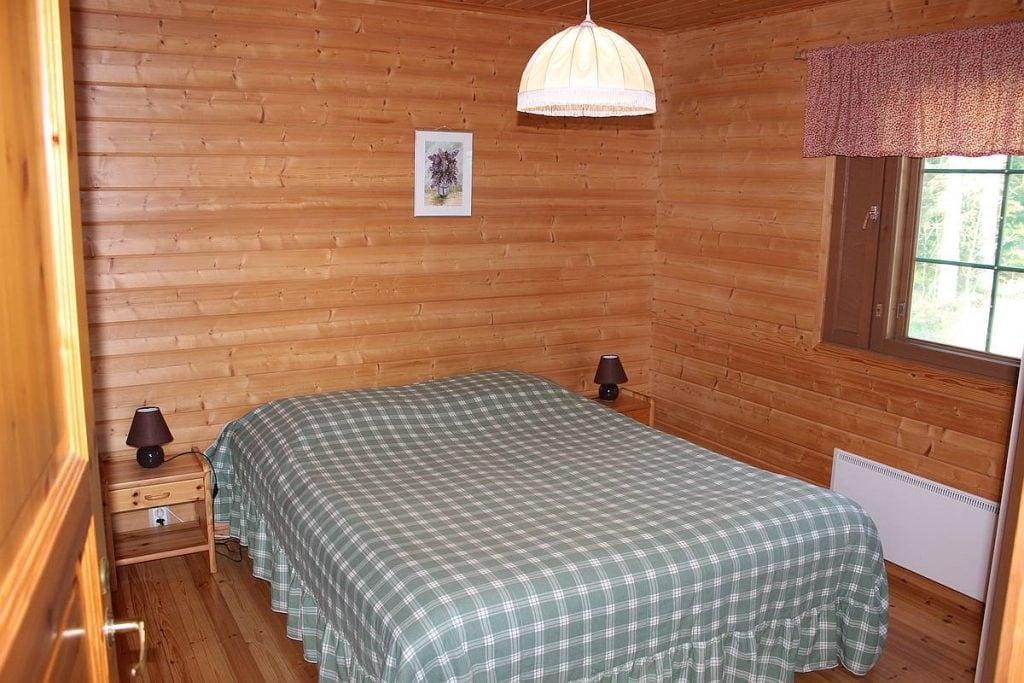 mokki-cottage-6-makuuhuone-bedroom