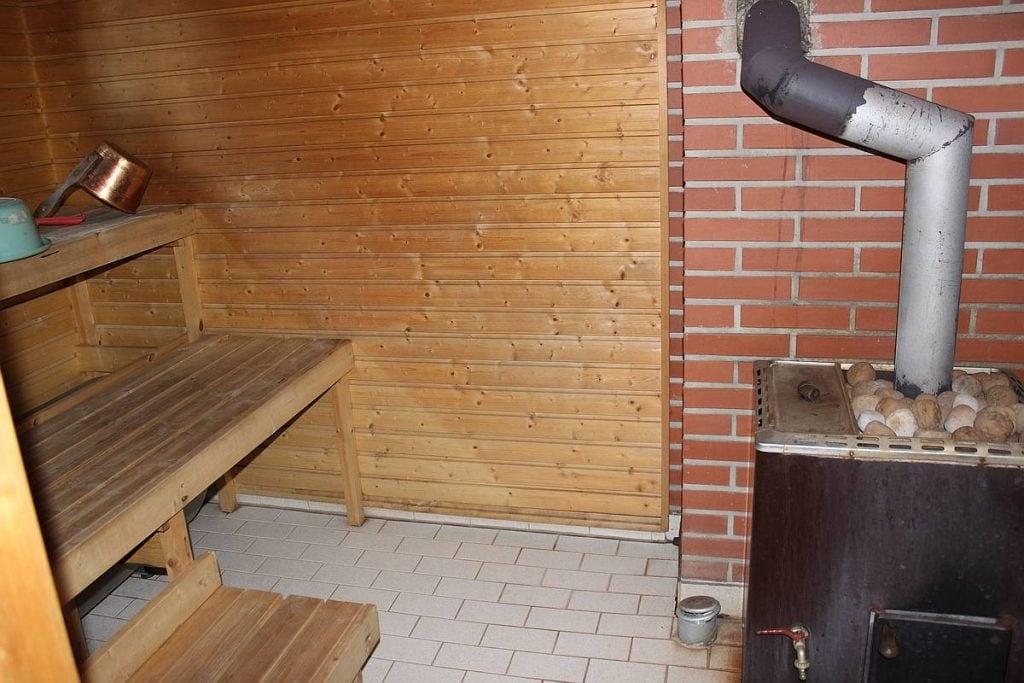 mokki-cottage-6-sauna