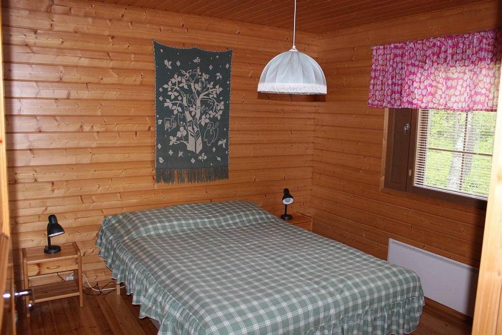mokki-cottage-7-makuuhuone-bedroom
