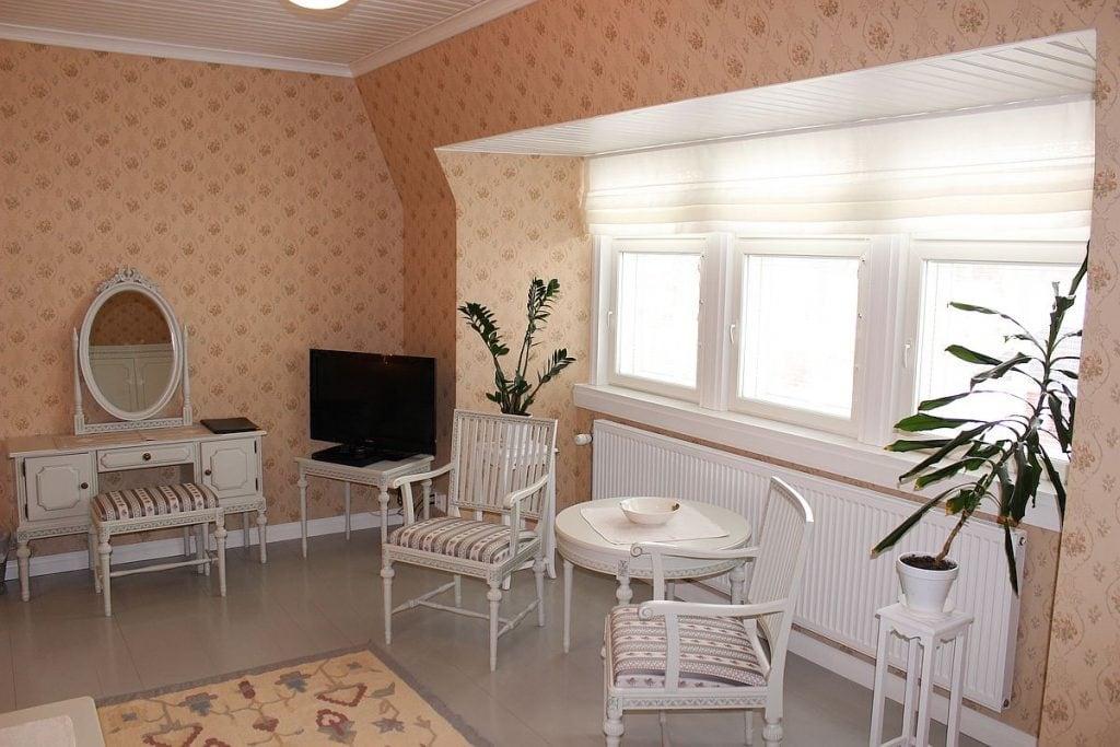 paarakennus_main_building_huone_room_3