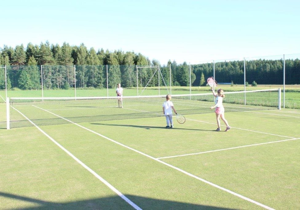 tennis-court-tenniskentta